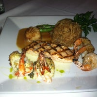 Photo prise au The Oceanaire Seafood Room par Julliana J. le8/18/2012