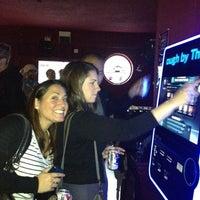 Foto tirada no(a) Club 93 por ✈Tom S. em 3/23/2012