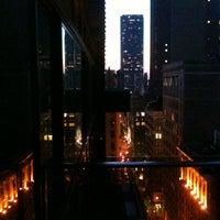 Foto tomada en Gansevoort Park Avenue NYC por Mia G. el 4/17/2012