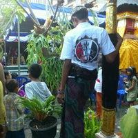 Photo taken at Puri ukiran pemecutan by WahLentino E. on 7/26/2012