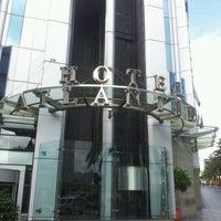 Foto tomada en Hotel Silken Atlántida Santa Cruz por Isa R. el 5/26/2012