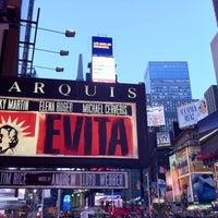 Foto tirada no(a) Marquis Theatre por Shannon M. em 4/28/2012