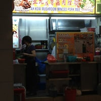 Photo taken at Ah Kow Mushroom Minced Pork Mee by Oliver O. on 5/12/2012