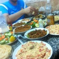 Photo taken at مطعم شباب المبارك by B on 9/5/2012