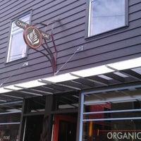 Das Foto wurde bei Caffe Fiore von tony l. am 6/23/2012 aufgenommen