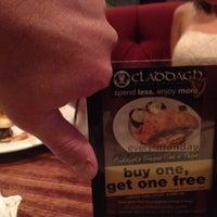 8/11/2012 tarihinde Michelle B.ziyaretçi tarafından Claddagh Irish Pub'de çekilen fotoğraf