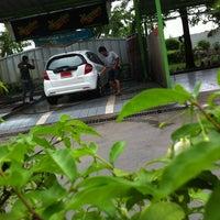 Photo taken at Meguiar Car Wash รังสิตภิรมย์ by Bizkit B. on 7/30/2012