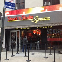 2/2/2012にMartin L.がSteak 'n Shakeで撮った写真