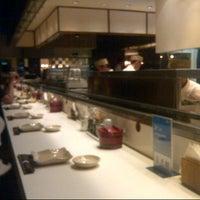 Foto tirada no(a) Sushi Tei por Indrianty em 7/19/2012