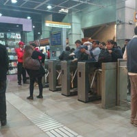 Das Foto wurde bei Metro La Cisterna von Kari G. am 5/7/2012 aufgenommen