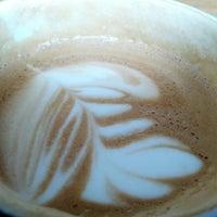 Foto tomada en Hopper Coffee & Bakery por Yuri v. el 7/16/2012
