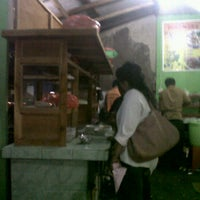 Photo taken at Bakso  Podomoro Lembang by Yenny A. on 3/26/2012