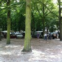 Photo taken at Lange Voorhout by Fokker Heineken A. on 8/5/2012