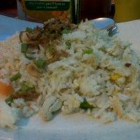Photo taken at Restoran Nur Hayati Seafood by Fathiuddin H. on 8/2/2012