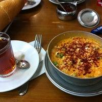 5/3/2012 tarihinde ⛵Tugrul G.ziyaretçi tarafından Lades Restaurant'de çekilen fotoğraf