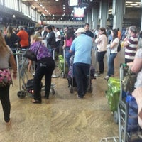 Photo taken at Check-in Iberia by Thiago L. on 9/12/2012