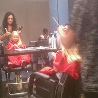 Das Foto wurde bei Beauty Brands von Justin W. am 5/11/2012 aufgenommen