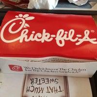 Foto scattata a Chick-fil-A da Andrea C. il 5/30/2012