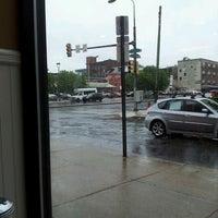 Das Foto wurde bei Spring Garden Restaurant von Evelyn R. am 4/22/2012 aufgenommen
