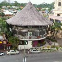 Photo taken at Khatulistiwa Restaurant & Cafe by AbuuDwayne on 6/2/2012