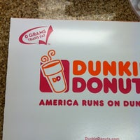 Photo taken at Dunkin' Donuts by Maxime A. on 8/13/2012
