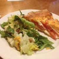 Foto tomada en Annie O's Southern Eats por Janet C. el 7/11/2012