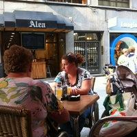 Foto tomada en Taberna Alea por Moisés C. el 7/27/2012