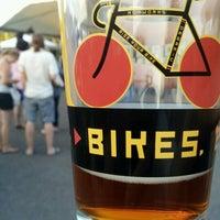Foto tirada no(a) Hopworks Urban Brewery por Rachel em 8/12/2012