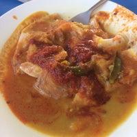 Photo taken at Restoran Mufah Maju by Asyraf H. on 2/20/2017