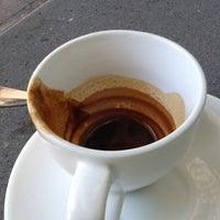Снимок сделан в Au Breve Espresso пользователем Kathleen W. 6/4/2013
