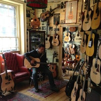 Photo taken at Hank's Guitar Shop by Blanco on 9/18/2013