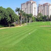 รูปภาพถ่ายที่ Pondok Indah Golf Club House โดย Aeran I. เมื่อ 5/1/2015