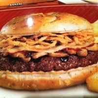 Photo taken at Red Robin Gourmet Burgers by Curt W. on 11/22/2012