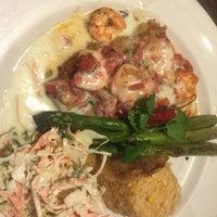 Foto tomada en La Parrilla Mexican Restaurant por Robin M. el 9/12/2016