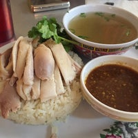 1/21/2015にjess c.がNong's Khao Man Gaiで撮った写真