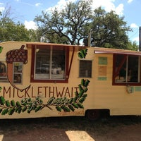 Foto tirada no(a) Micklethwait Craft Meats por 365 Things Austin em 8/14/2013