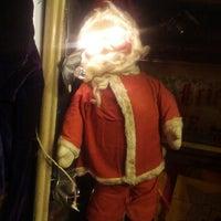 Das Foto wurde bei Uncommon Objects von John V. am 11/18/2012 aufgenommen