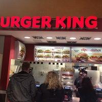 Photo taken at Burger King by (( iSELEKTOR ). on 2/2/2013