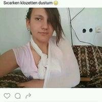 รูปภาพถ่ายที่ Sarıyer Börekçi โดย Eren Y. เมื่อ 11/16/2016
