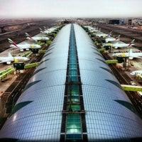 11/28/2012 tarihinde Boris M.ziyaretçi tarafından Dubai Uluslararası Havalimanı (DXB)'de çekilen fotoğraf