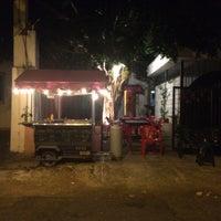 Photo taken at Redi - Sabor de la India by Floranny Z. on 6/7/2015