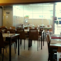 Photo taken at 2Z Kafe Restoran by Sencer A. on 6/27/2013