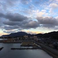 Photo taken at かにと活魚の店 日本海 海風亭寺泊 by Masato N. on 12/28/2016