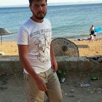 Photo taken at Saros Gökçetepe Sahil by Hüseyin Ş. on 7/18/2015