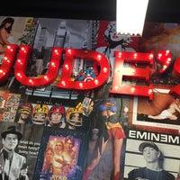 รูปภาพถ่ายที่ Jude's Barbershop โดย Ben R. เมื่อ 10/28/2014
