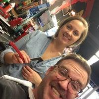 รูปภาพถ่ายที่ Jude's Barbershop โดย Ben R. เมื่อ 12/5/2015
