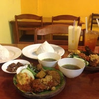 Photo taken at Ayam Penyet Best by farahiyah m. on 7/12/2014
