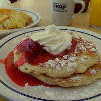 Photo taken at IHOP by Erick G. on 7/25/2015