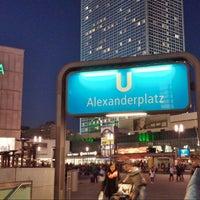 Das Foto wurde bei Alexanderplatz von William T. am 10/26/2013 aufgenommen