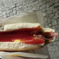 Das Foto wurde bei Der Hot Dog Laden von William T. am 8/17/2013 aufgenommen